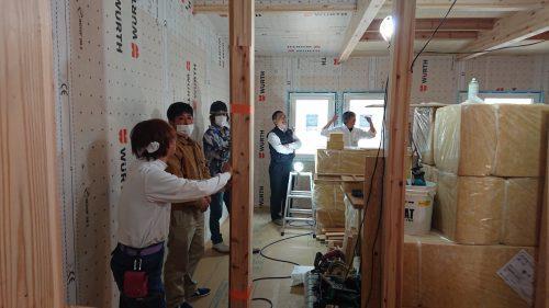 断熱・気密施工を追求するために徳島から「青木建設」さんが来られました!